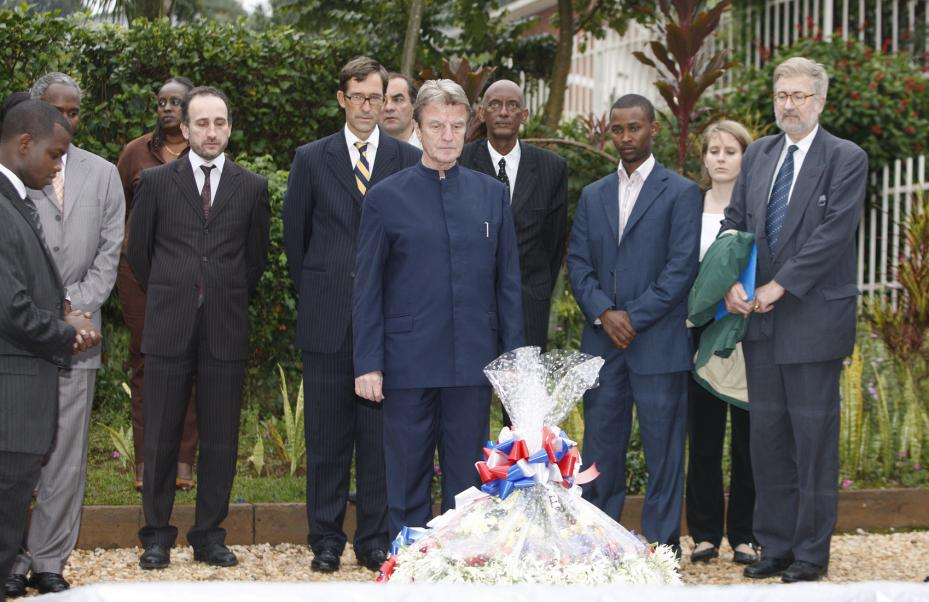 Kouchner on whitewashing mission to Rwanda (Jan 2008)